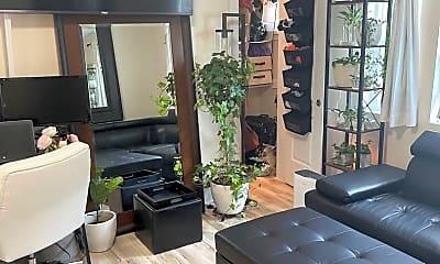Living Room, 86 B St E, 1