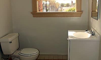 Bathroom, 945 Beacon Ave, 1