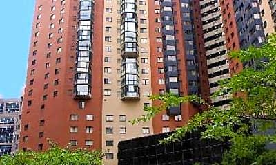 Building, 900 N Stafford St 1018, 0