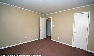 Bedroom, 518 E Maryland Ave, 2