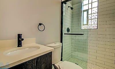 Bathroom, 1317 W Erie St, 2