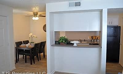 Dining Room, 758 Plaza Dr, 1