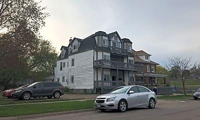 Building, 953 Desoto St, 2