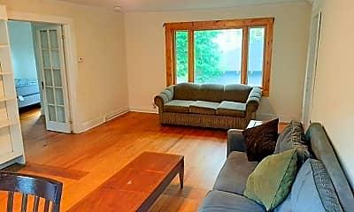 Living Room, 123 Columbia St, 0