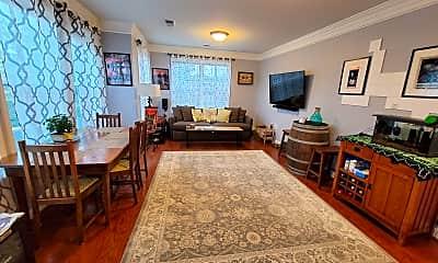 Living Room, 2101 N Monroe St 306, 1