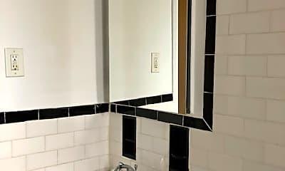 Bathroom, 10 Shore Blvd, 2