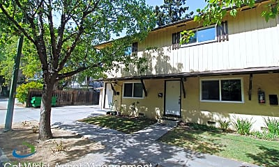 Building, 573 Northlake Dr, 1