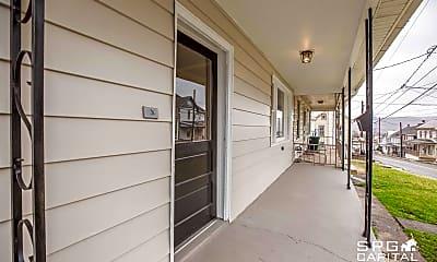 Patio / Deck, 325 Valley St, 2