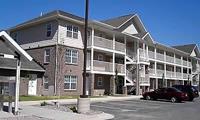 Crestview Apartments, 2
