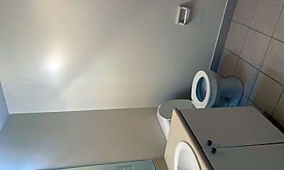 Bathroom, 8461 Bernwood Cove Loop, 0