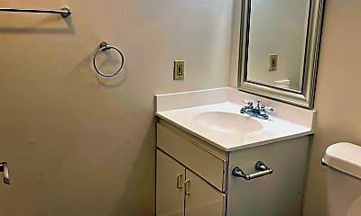 Bathroom, 909 N San Vicente Blvd, 2