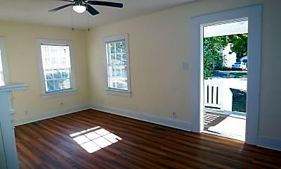 Bedroom, 116 N Summit St, 2
