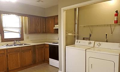 Kitchen, 913 E Quincy St, 2
