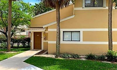 Building, 209 Palm Cir E, 0