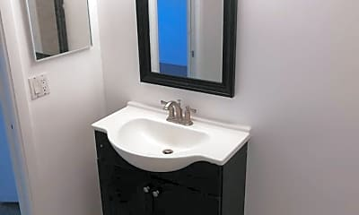 Bathroom, 6701 NW 61st Ave, 2