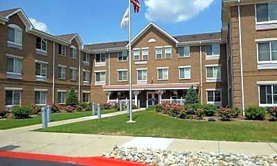 Building, Oak Village Square Apartments, 0