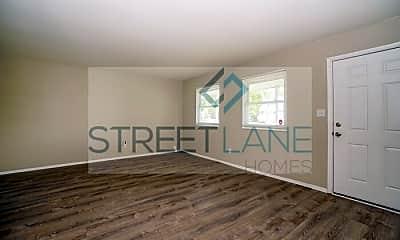 Living Room, 2111 Rochelle Pl, 1