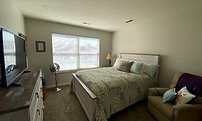 Bedroom, 366 W Miner St, 2