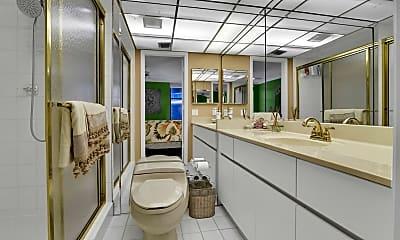 Bathroom, 1167 Hillsboro Mile 503, 2