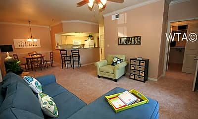 Living Room, 250 South Stagecoach Trail, 2