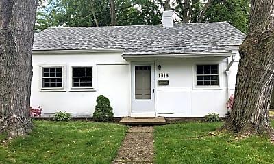 Building, 1313 Lexington Ave, 0