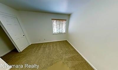 Bedroom, 626 Broad St, 2