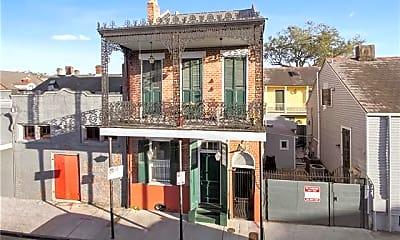 Building, 732 Burgundy St B, 0