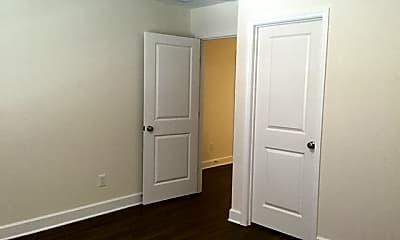 Bedroom, 302 Crestrun Loop, 2