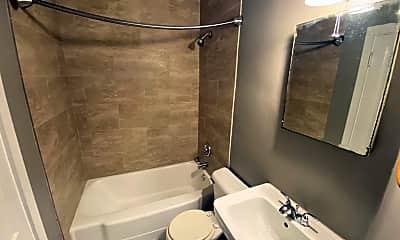Bathroom, 1554 Highland St, 2
