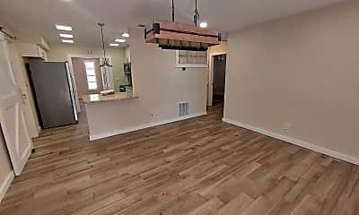 Living Room, 5054 32nd Ave N, 1