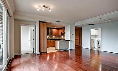 Living Room, 801 Key Hwy 333, 2