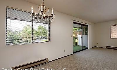 Living Room, 1520 NE 143rd St, 0