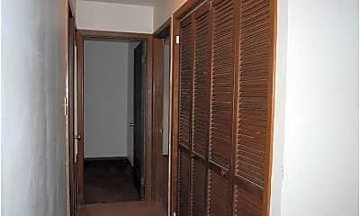 Bathroom, 230 Hallock Ave, 2