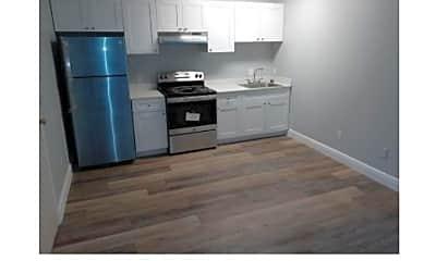 Kitchen, 214 Columbia Dr, 2