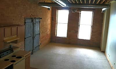 Building, 802 Lafayette St, 1