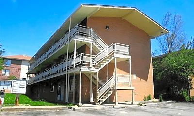 Building, 4852 Taylor St, 2
