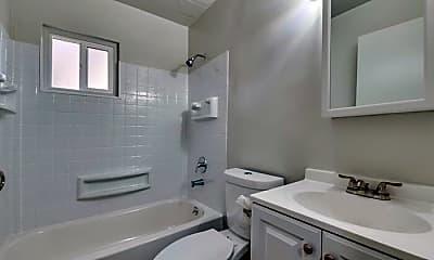 Bathroom, 503 Mill St, 1