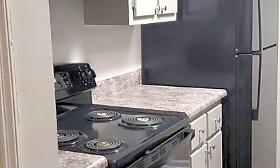 Kitchen, 600 Ravenwood Dr, 2