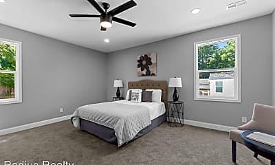 Bedroom, 2844 Oakland Ave, 2