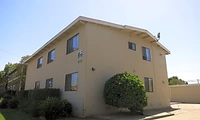 Building, 935 Sharmon Palms Ln, 0