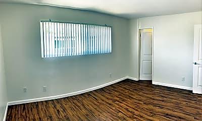 Living Room, 1304 Roxanne Dr, 1
