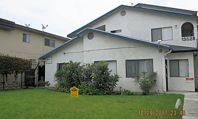 Building, 13528 Lemoli Ave, 0