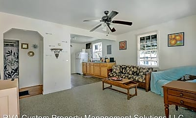Living Room, 2509 Poplar St, 1