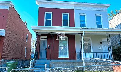 Building, 623 Dumbarton Ave, 1