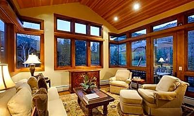 Living Room, 315 S 1st St, 1