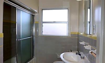 Bathroom, 1129 El Camino Real, 2