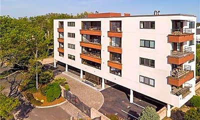 Building, 10 Pine Creek Ave 401W, 1