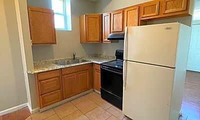 Kitchen, 3021 Iowa Ave, 1