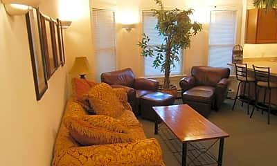 Living Room, 123 Williams St, 1