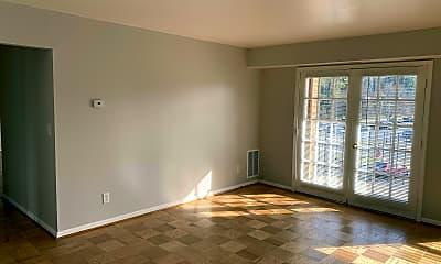 Living Room, 394 Jackson St, 1